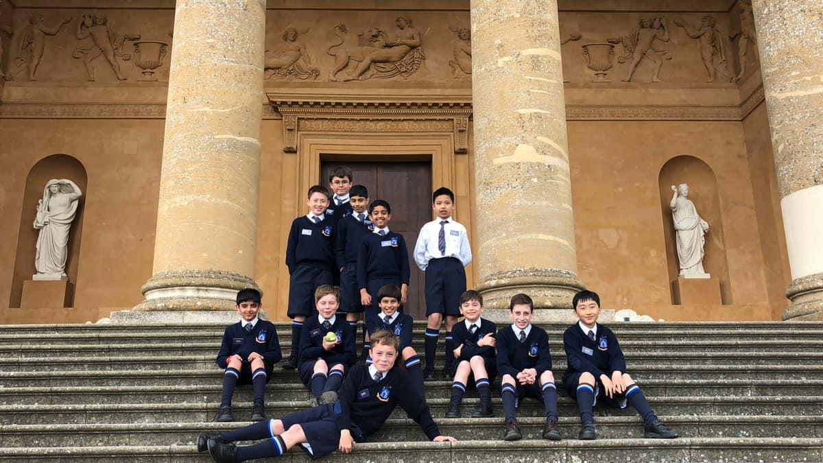scoala in limba romana in uk